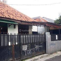 Rumah Jl. Kencana Guntur
