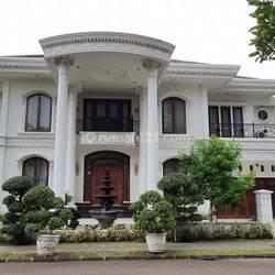 Megah dgn White House Style, boulevard golf BSD, THE BEST !!