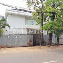 Huniyan Hoek Menteng dalam hitung tanah bonus bangunan jalan jaya mandala Jakarta Selatan