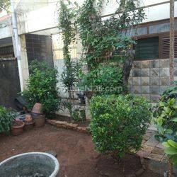 Dijual Rumah Lama Guntur Setiabudi