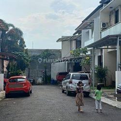 HOUSE AT KEBAGUSAN JAKSEL RUMAH CANTIK 2LANTAI NICE MEWAH MURAH BAGUS GOOD CONDITION (VERY CHEAP) SEMI FURNISHED