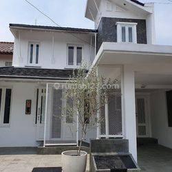 Rumah elite 3Br Full furnish aman, nyaman di daerah Jakarta Selata
