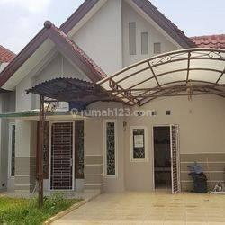 Rumah siap huni semi furnished 3 kamar tidur 3 AC 2 kamar mandi  di alam sutera