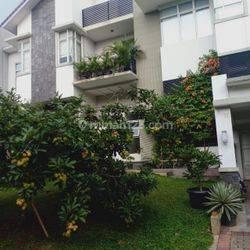 Rumah Mewah Taman Telaga Golf BSD City Serpong Tangerang Selatan