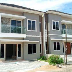 Rumah 2 Lantai Type 220, Bebas Banjir & Security 24 Jam di Komp. Greenhill, Jl. Parit H. Husein 2