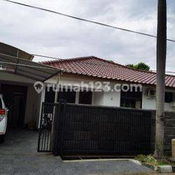 HOUSE AT TANJUNG BARAT NICE HOUSE WITH SWIMMING POOL TYPE 3BR IDR 275.000.000 PER YEAR