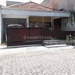 0X28 - Rumah Baratajaya Lingkungan Nyaman Row Jalan Lebar