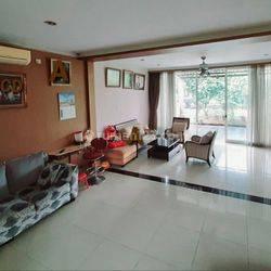 Rumah Hook 4 Bedroom di Kebayoran Villas Bintaro