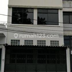 Rumah Pengukiran, 5x12, 3½ Lantai, Dekat Pasar Pagi - 08.1212.560560