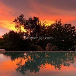 Romantis Sunset view villa, Desain keren dilengkapi kolam renang. Berada di lokasi terbaik. Full furnish, murah, negotiable