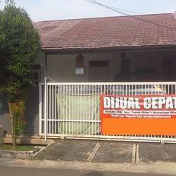 Rumah dijual di JL Cimanggu Barat Blok T