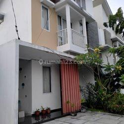 Rumah 2 Lantai Full Perabot di Sudirman