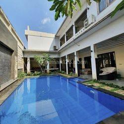 Rumah Mewah dgn Private Pool Prime area Veteran, dekat Tol TB Simatupang, Jakarta