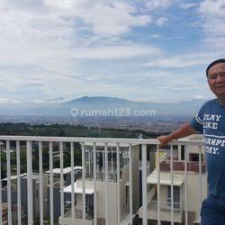 Rumah Semi Villa di Pasirhalang, Jawa Barat
