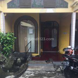 Rumah Induk plus koskosan 6 kamar Di Cibereum Bandung