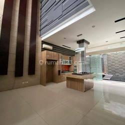 Rumah Bagus Nyaman di Singgasana Pradana, Bandung Selatan