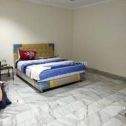 Rumah di Muara Karang baru selesai di renovasi rapi siap huni 10x20