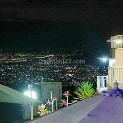 Rumah Villa bernuansa alam pegunungan,udara sejuk dan berkabut di bandung Barat