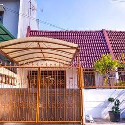 Rumah  Taman Kesoya Baru. 2 KT+1. 2 km..Depan Taman.