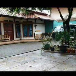 Rumah dan Halaman luas di Cimenyan Bandung Jawa Barat