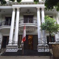 Rumah Mewah MURAH DIBAWAH NJOP di Prime Area Mega Kuningan, Jakarta