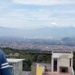 Rumah Exclusive,nyaman dan strategis di Cisarua Lembang