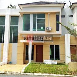 The Summer Residence Rumah 2 Lantai
