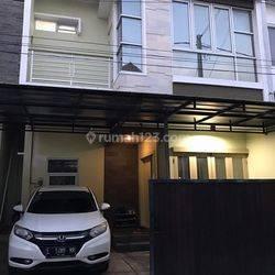 Rumah Bagus 2Lantai di Pedungan, Denpasar