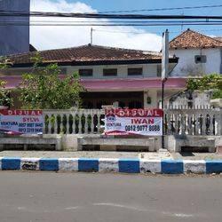 Rumah Di Poros Jalan Diponegoro Tengah Kota Probolinggo. Cocok Untuk Kantor Maupun Rumah tinggal