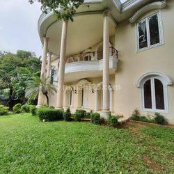 Rumah Kemang Selatan 1D 5 Kamar Tidur Taman dan Kolam Renang Siap Huni Harga Nego