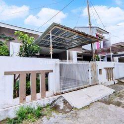 Rumah Dalam Komplek Geger Kalong Fully Furnished