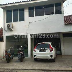 Rumah Lokasi ISTIMEWA sekitar Area Senopati, Kebayoran Baru, Jakarta
