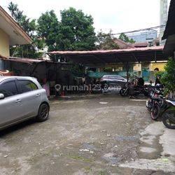 Rumah Salemba, Zona komersil, Dibawah Harga NJOP, Murah !