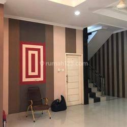 CHANDRA*rumah bagus  2,5 lantai uk 10x15m di taman ratu