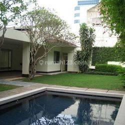 Rumah Bagus di Kemang Timur V Bangka Prapatan uk450m2 Elegant Private Pool Jakarta Selatan