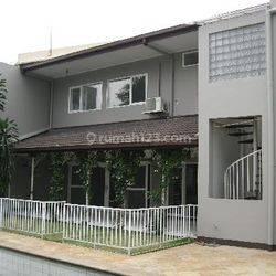 Rumah Kemang jl Kemang Utara uk452m2 Elegant Private Pool at Jakarta Selatan