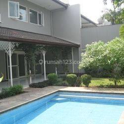 Rumah Kemang jln Kemang Utara uk452m2 Elegant Private Pool at Jakarta Selatan