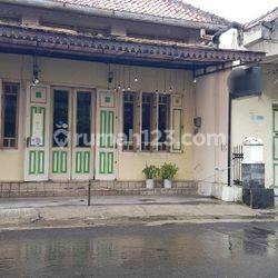 Rumah kuno dekat Kraton & Malioboro, cocok untuk homestay atau resto.
