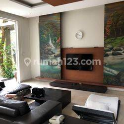 Modern Luxury House For Lease Taman Golf Karawaci Area (STRATEGIC LOCATION)