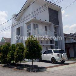 Rumah Minimalis 2 lt Ciwastra 1M-an Cocok Banget Buat Investasi atau  Hunian Cash keras Diskon 5%.