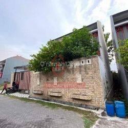 Rumah 2 Lantai Pinggir Jalan di Jaten Karanganyar (TS)