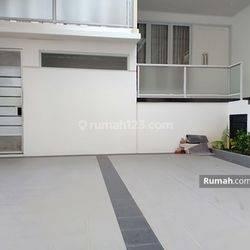 Rumah Baru dan Model Minimalis disewakan di Mampang Jakarta Selatan