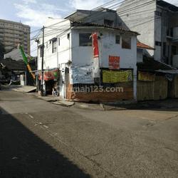 Rumah Kost dan Ruang Usaha di Mainroad Cibogo