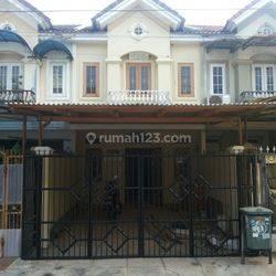 Rumah rapi cantik bagus strategis pagar tinggi di Citra 2 Extension