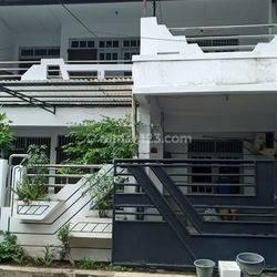 Rumah lebar luas bagus strategis nyaman di Citra 2 Jakarta Barat