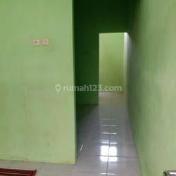 Rumah kontrakan 7 pintu