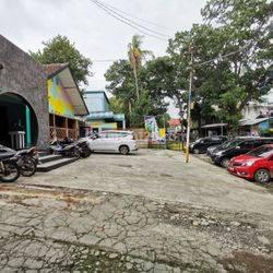 Rumah sayap Dago Dipati Ukur untuk Cafe