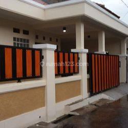 Rumah Baru  dekat Griya Margahayu Raya dan Metro Mall