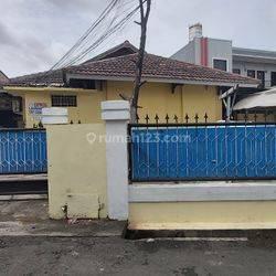 Kost 30 Kamar Tidur  di jl H. Nawi Dalam II Gandaria Selatan, Cilandak Jakarta Selatan Dekat MRT  Fatmawati. Cocok Invest Turun Harga