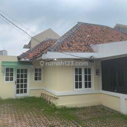 HOUSE AT GUNTUR, JAKARTA PUSAT